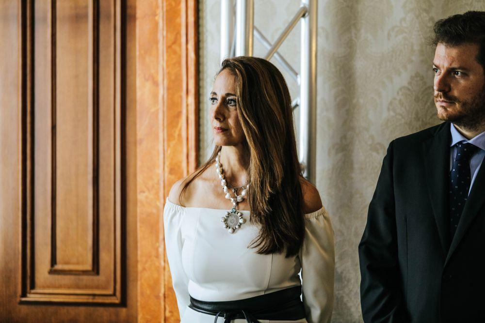 La coordinatrice del Guatemala nonchè artista Elsie Wunderlich con il curatore Daniele Radini Tedeschi